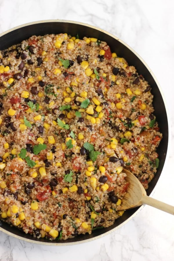 Five-Ingredient One-Pan Mexican Quinoa #quinoa #healthy #dinner #recipe