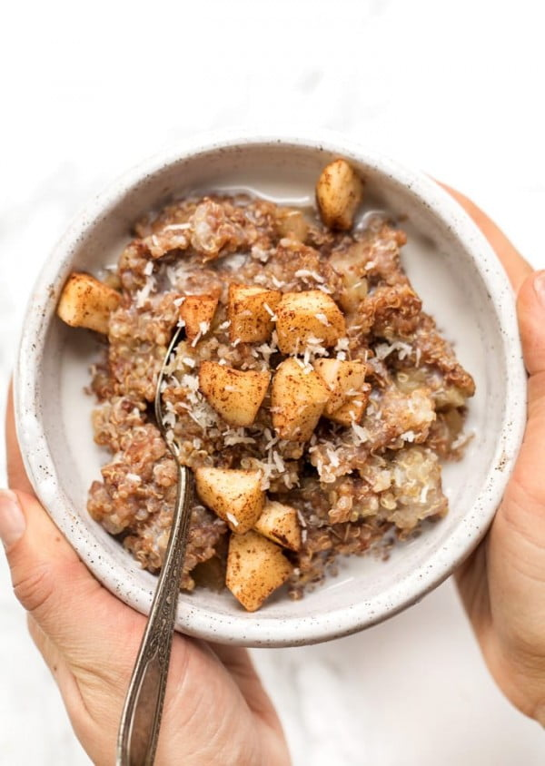 Cinnamon Apple Breakfast Quinoa #quinoa #healthy #dinner #recipe