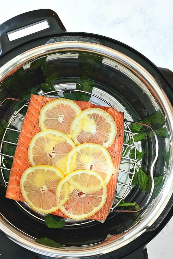 Instant Pot Lemon Pepper Salmon #salmon #fish #food #dinner #recipe