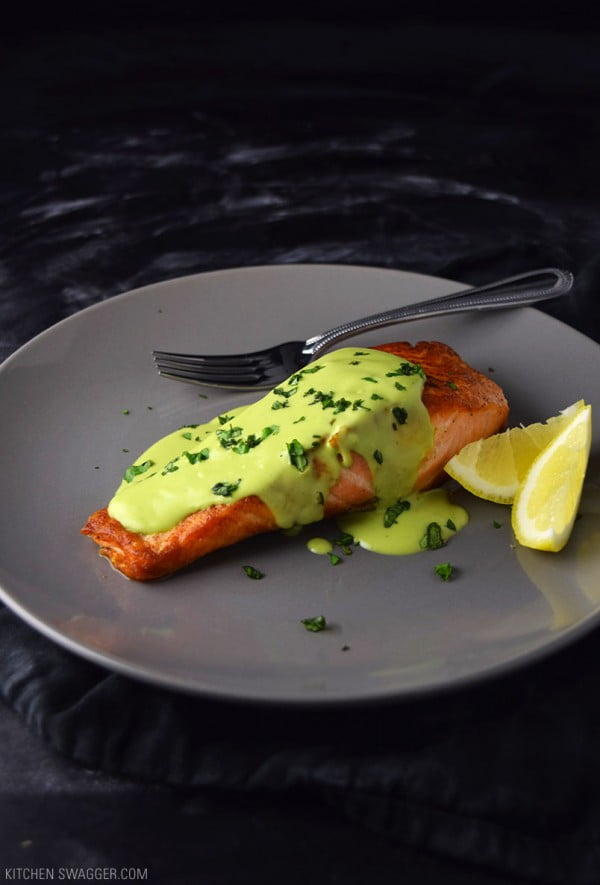 Pan-Seared Salmon with Creamy Avocado Sauce #salmon #fish #food #dinner #recipe