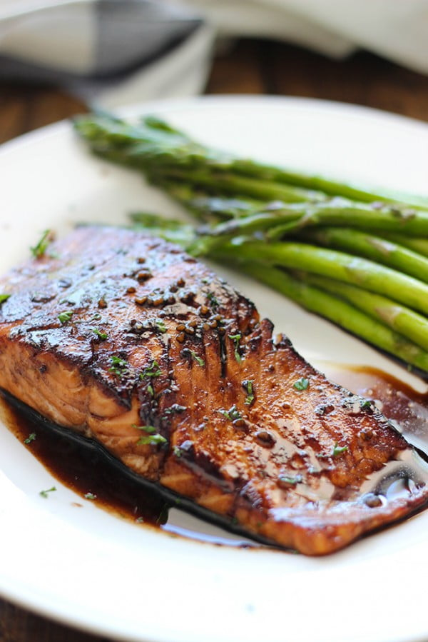 Balsamic Glazed Salmon #salmon #fish #food #dinner #recipe