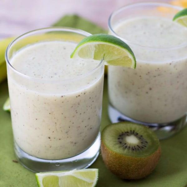 Kiwi Lime Banana Smoothie #smoothie #recipe #food #drink