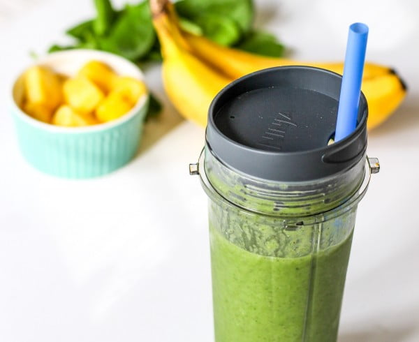 Detox Green Smoothie with Chia Seeds #smoothie #recipe #food #drink