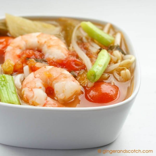 Quick and Easy Vietnamese Sweet and Sour Soup #recipe #food #dinner #sweetandsour