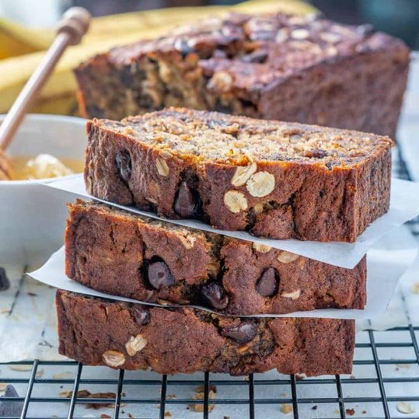 Healthy Oatmeal Chocolate Chip Banana Bread #banana #recipe #snack #dessert