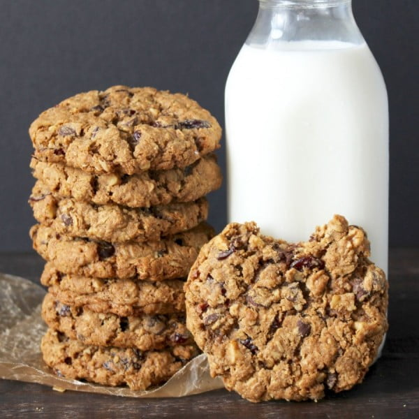 Big and Chewy Oatmeal Cookies #cookies #snacks #dessert #food #recipe