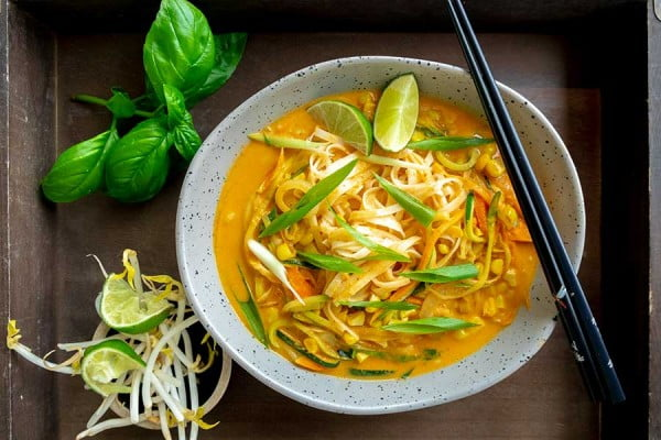 Coconut Curry Noodles With Fresh Vegetables (Vegan, Gluten-Free) #curry #dinner #recipe #food