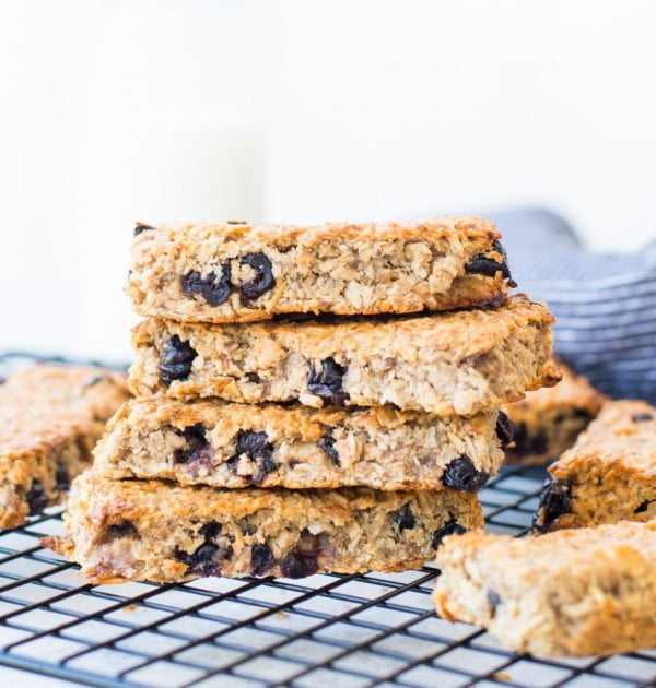 BLUEBERRY BANANA GRANOLA BAR #granolabars #snacks #healthy #food #recipe