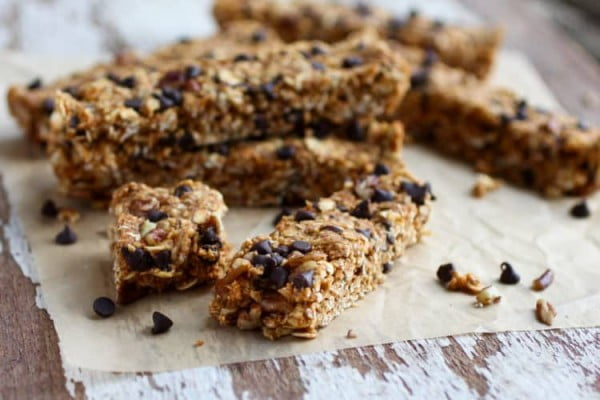 No-Bake Pumpkin Chocolate Chip Granola Bars #granolabars #snacks #healthy #food #recipe