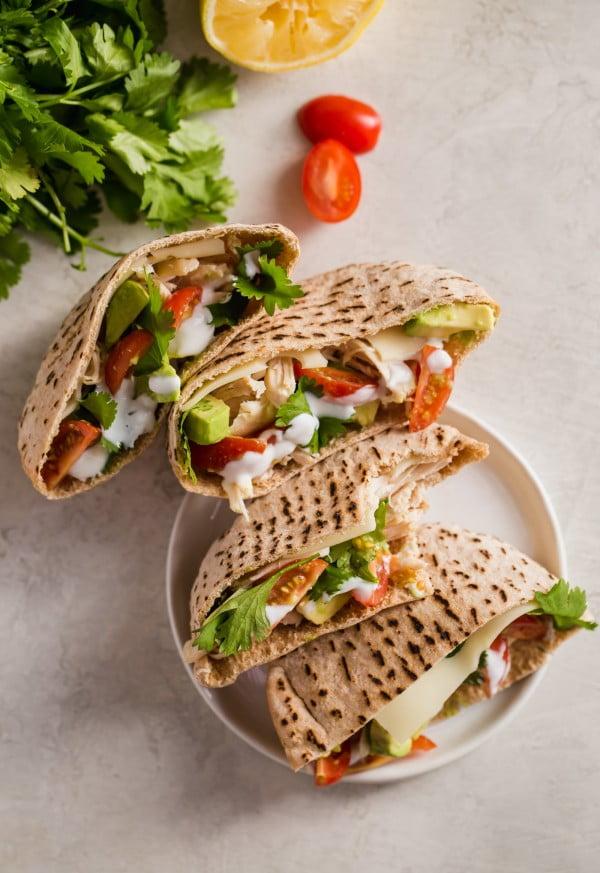 Chicken Avocado Pita Sandwich (Healthy Chicken Pitas) #lunch #healthy #food #snack #recipe