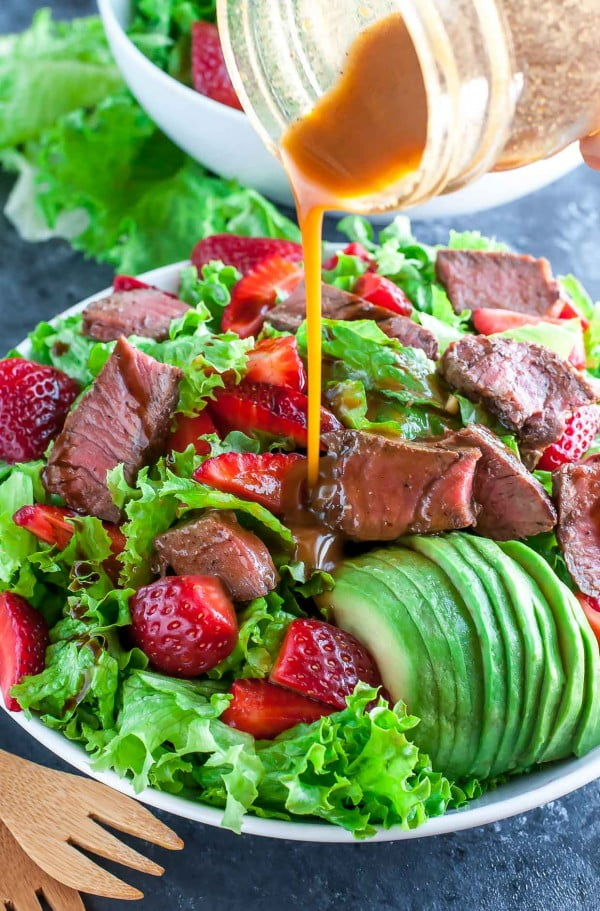 Strawberry Steak Salad with Homemade Balsamic Dressing #lunch #healthy #food #snack #recipe