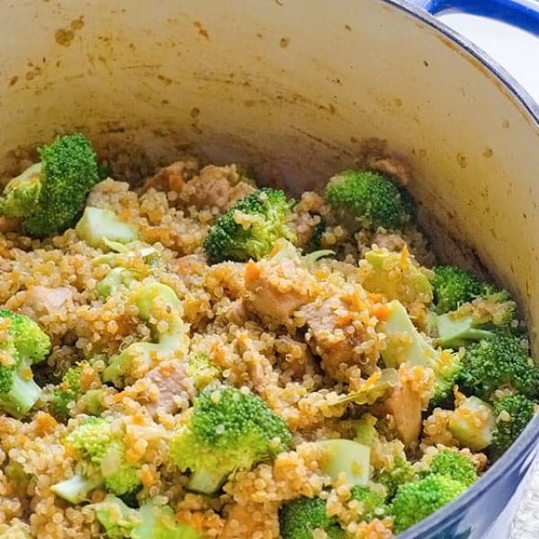 One Pot Quinoa, Chicken and Broccoli #healthy #onepot #dinner #food #recipe