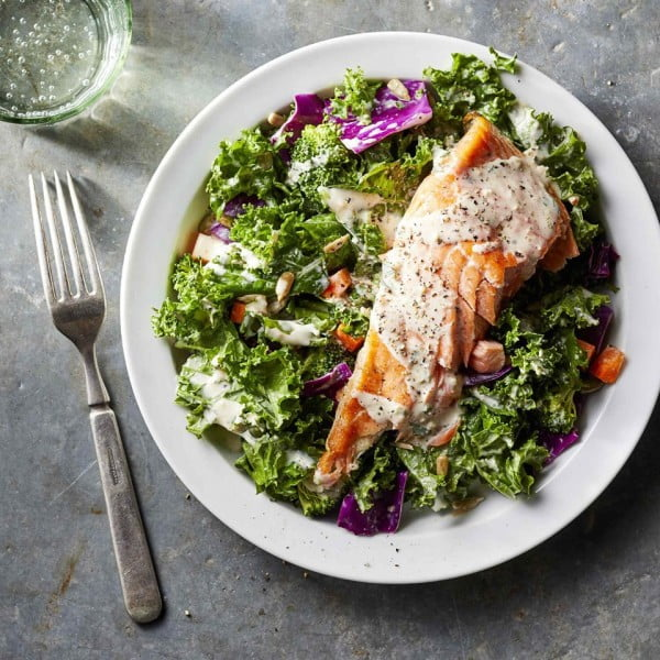 Superfood Chopped Salad with Salmon & Creamy Garlic Dressing Recipe #lunch #highprotein #healthy #recipe