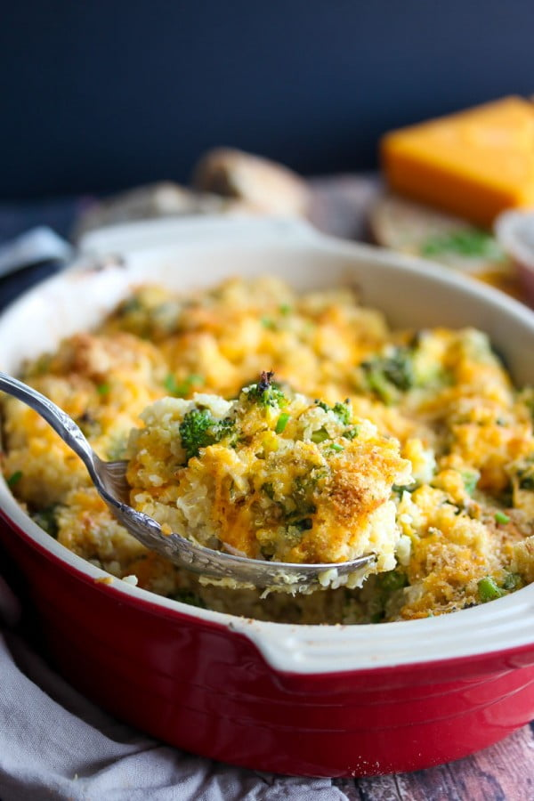 Cheesy Chicken and Broccoli Quinoa Bake #lunch #highprotein #healthy #recipe