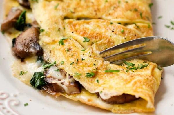 Cheesy Mushroom and Spinach Omelet #omelette #breakfast #eggs #recipe