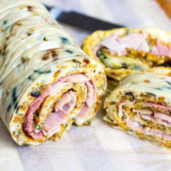 Caramelised Onion, Carrot & Ham Omelette Roll #omelette #breakfast #eggs #recipe