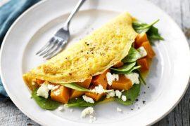 Sweet potato, feta and spinach omelette #omelette #breakfast #eggs #recipe
