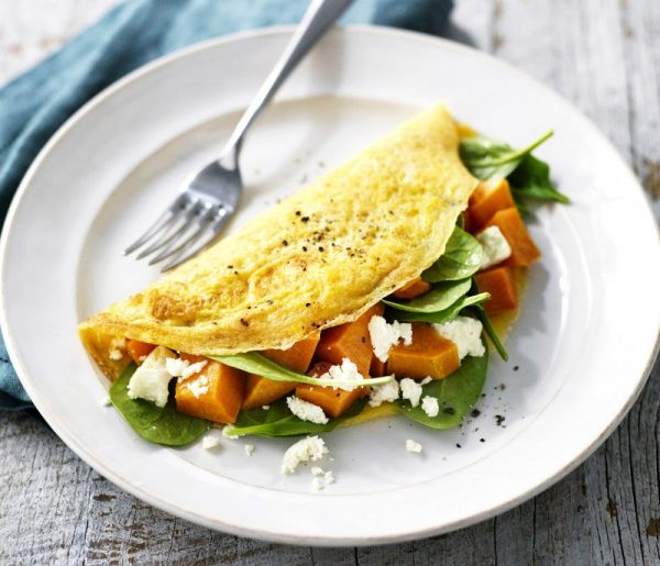Sweet potato, feta and spinach omelette #omelette #breakfast #eggs #recipe