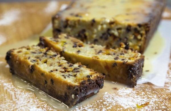Italian Cannoli Pound Cake with a White Chocolate Ganache #poundcake #cake #recipe #dessert