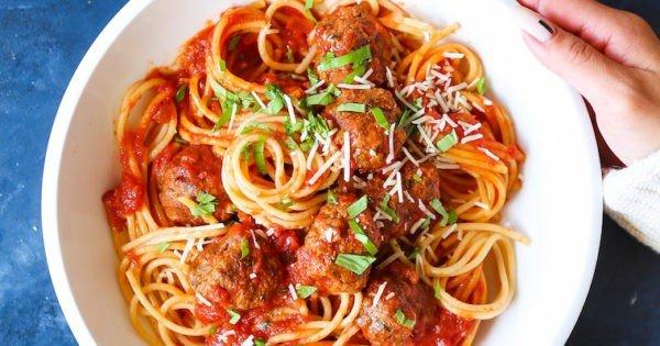 Slow Cooker Spaghetti and Meatballs #slowcooker #crockpot #pasta #recipe #dinner #food