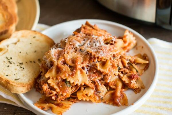 Slow Cooker Chicken Bacon Pasta #slowcooker #crockpot #pasta #recipe #dinner #food