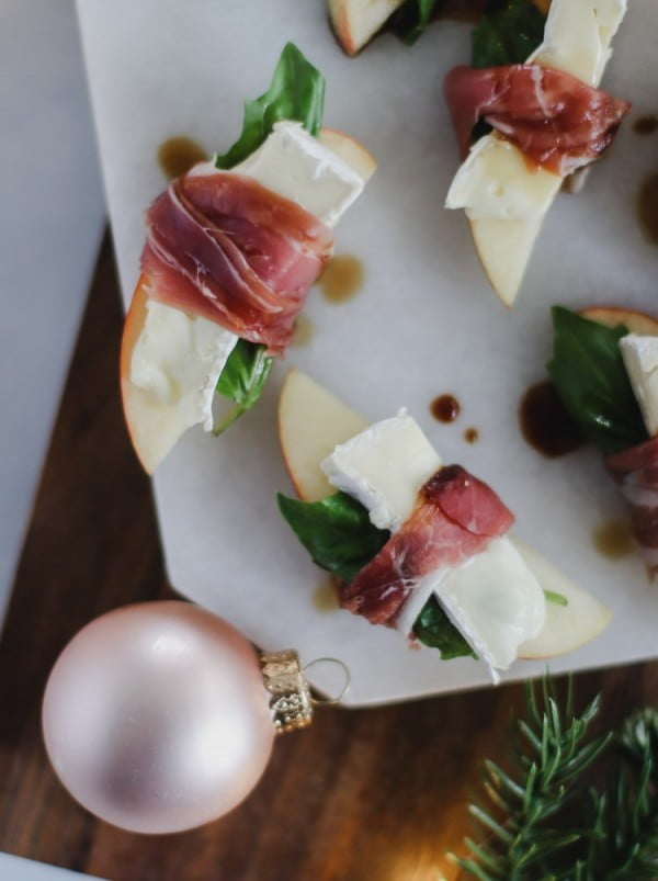 prosciutto wrapped apples with brie and balsamic #smallbites #partyfood #snack #recipe