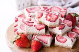 No-Bake Strawberry Shortcake Bars (Gluten Free, Paleo + Vegan) #strawberry #dessert #berries #food #recipe