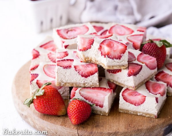 No-Bake Strawberry Shortcake Bars (Gluten Free, Paleo + Vegan) #strawberry #dessert #berries #food #recipe