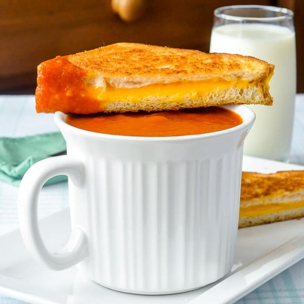 Homemade Tomato Soup, a quick comfort food lunch with a grilled cheese! #tomato #recipe #dinner