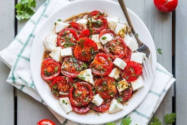 Perfect Marinated Tomatoes with Mozzarella #tomato #recipe #dinner
