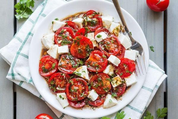 Perfect Marinated Tomatoes with Mozzarella #tomato #recipe #dinner