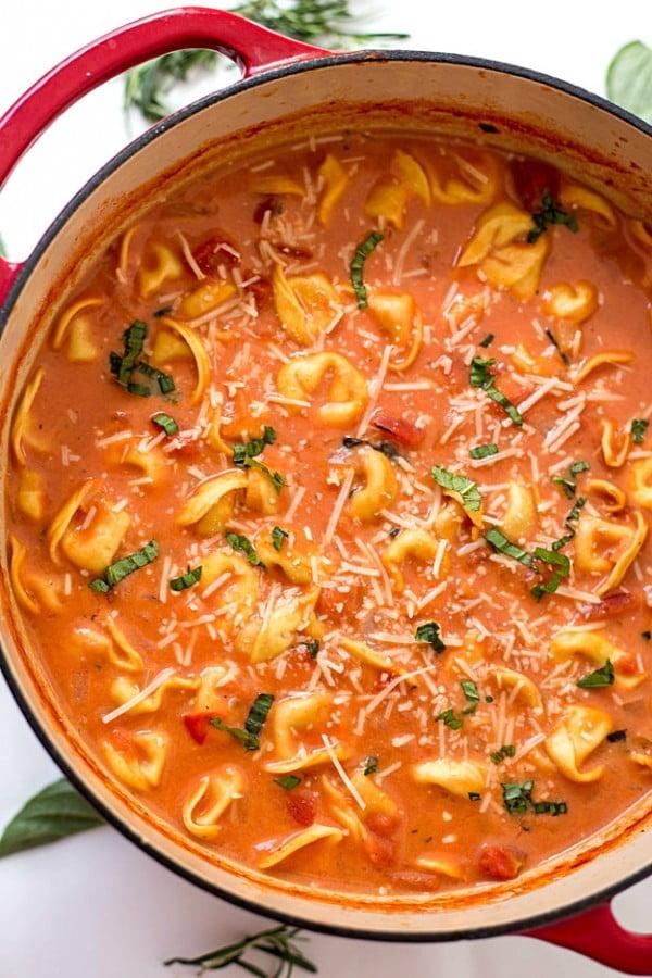 One-Pot Creamy Tomato Tortellini Soup #tomato #recipe #dinner