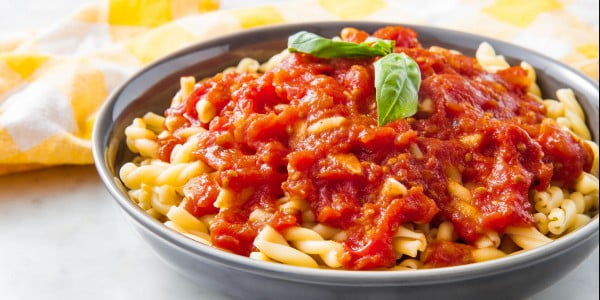Homemade Marinara Is SO Much Better Than The Jarred Stuff #tomato #recipe #dinner