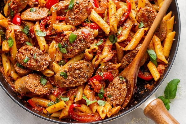 20-Minute Sausage Pasta Skillet #20minute #pasta #recipe #dinner