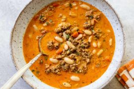 Creamy White Bean and Turkey Pumpkin Chili #beans #dinner #recipe