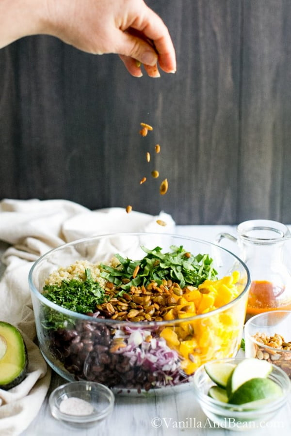 Quinoa Mango Black Bean Salad with Smoky Pepitas and Chipotle Lime Vinaigrette #beans #dinner #recipe