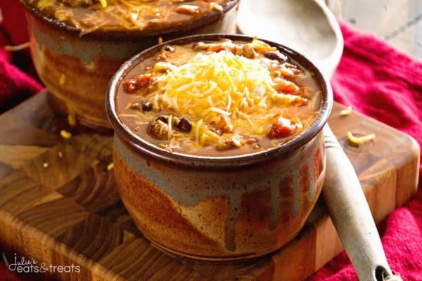 This Crockpot Chili is famous, which means it's AMAZING! #chili #recipe #dinner
