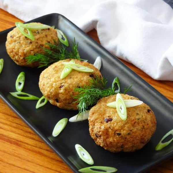 Vietnamese Fish Cakes with Dill – Cha Ca Thi La #fish #fishcake #dinner #recipe