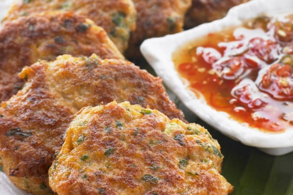 How to Spice a Classic Thai Fish Cake Just Right #fish #fishcake #dinner #recipe