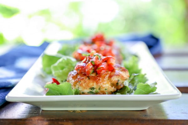 Keto Fish Cakes with Roasted Red Pepper Salsa #fish #fishcake #dinner #recipe