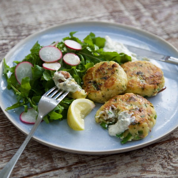 Smoked fish cakes with lemon caper mayo #fish #fishcake #dinner #recipe