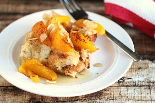 Peach French Toast Bake with Almonds #frenchtoast #bake #dinner #breakfast #recipe