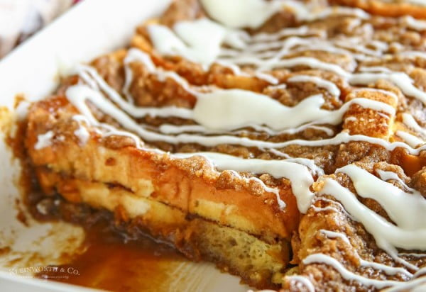 Cinnamon Roll French Toast Bake #frenchtoast #bake #dinner #breakfast #recipe