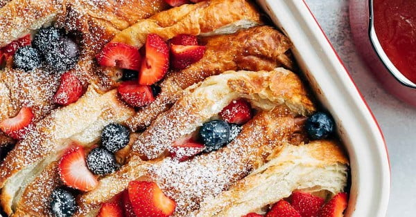 Croissant Baked French Toast with Berries & Rum Maple Syrup #frenchtoast #bake #dinner #breakfast #recipe