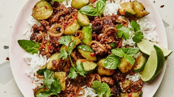 Spicy Beef and Cucumbers with Black Vinegar Recipe #groundbeef #dinner #recipe #beef