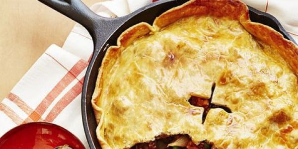 Beef and Stout Skillet Pie #groundbeef #dinner #recipe #beef