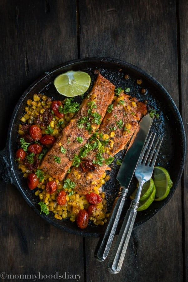 Salmon with Roasted Tomatoes and Corn #easter #easterdinner #dinner #recipe #healthy