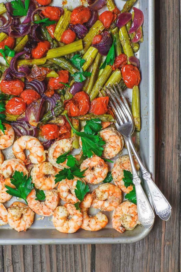 Mediterranean Sheet Pan Baked Shrimp and Veggies #mediterranean #dinner #recipe