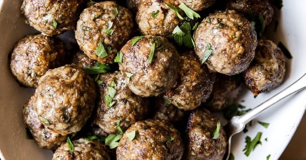 Mediterranean Meatballs with Tzatziki #mediterranean #dinner #recipe
