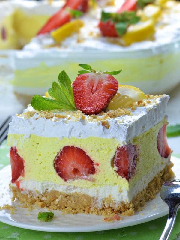 Strawberry Lemonade Lasagna #recipe #nobake #dessert #recipe